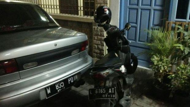 motor gue dan helm kiai kanjeng